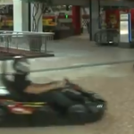 Corrida de Kart dentro do Shopping