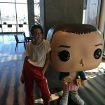 Millie Bobby Brown e o seu Funko Eleven de Stranger Things!